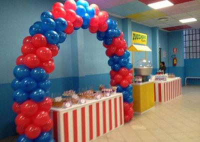 Addobbi con palloncini festa scolastica